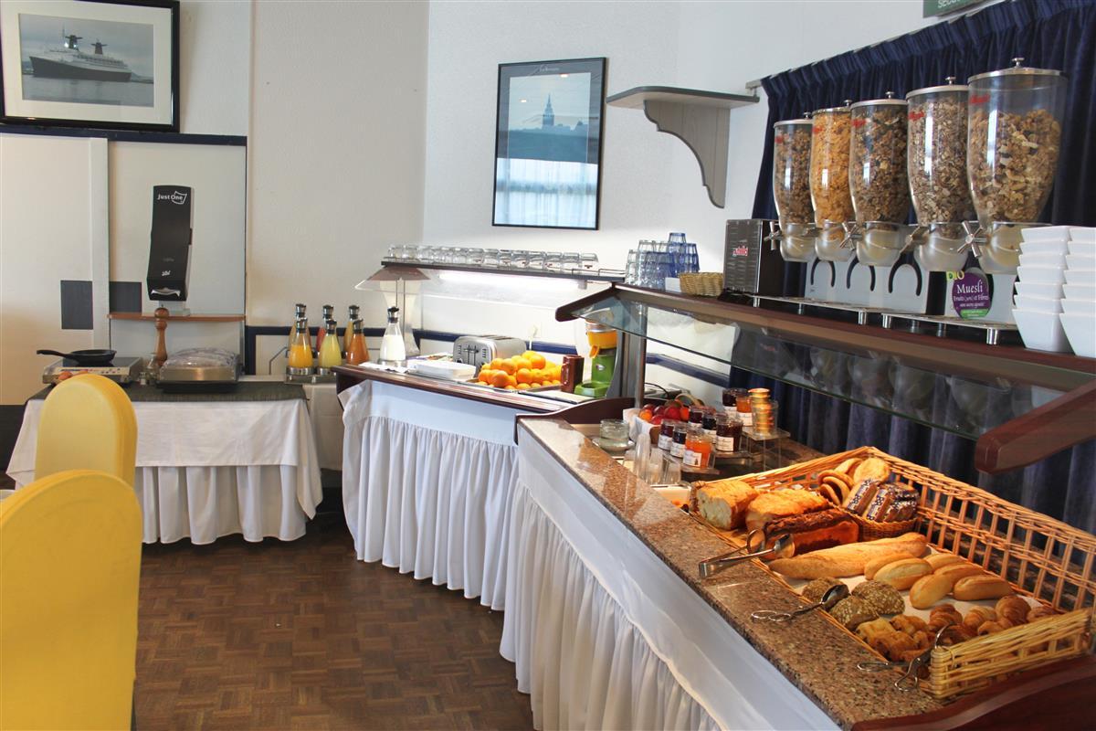 Campanile Rennes Petit Dejeuner Restaurant
