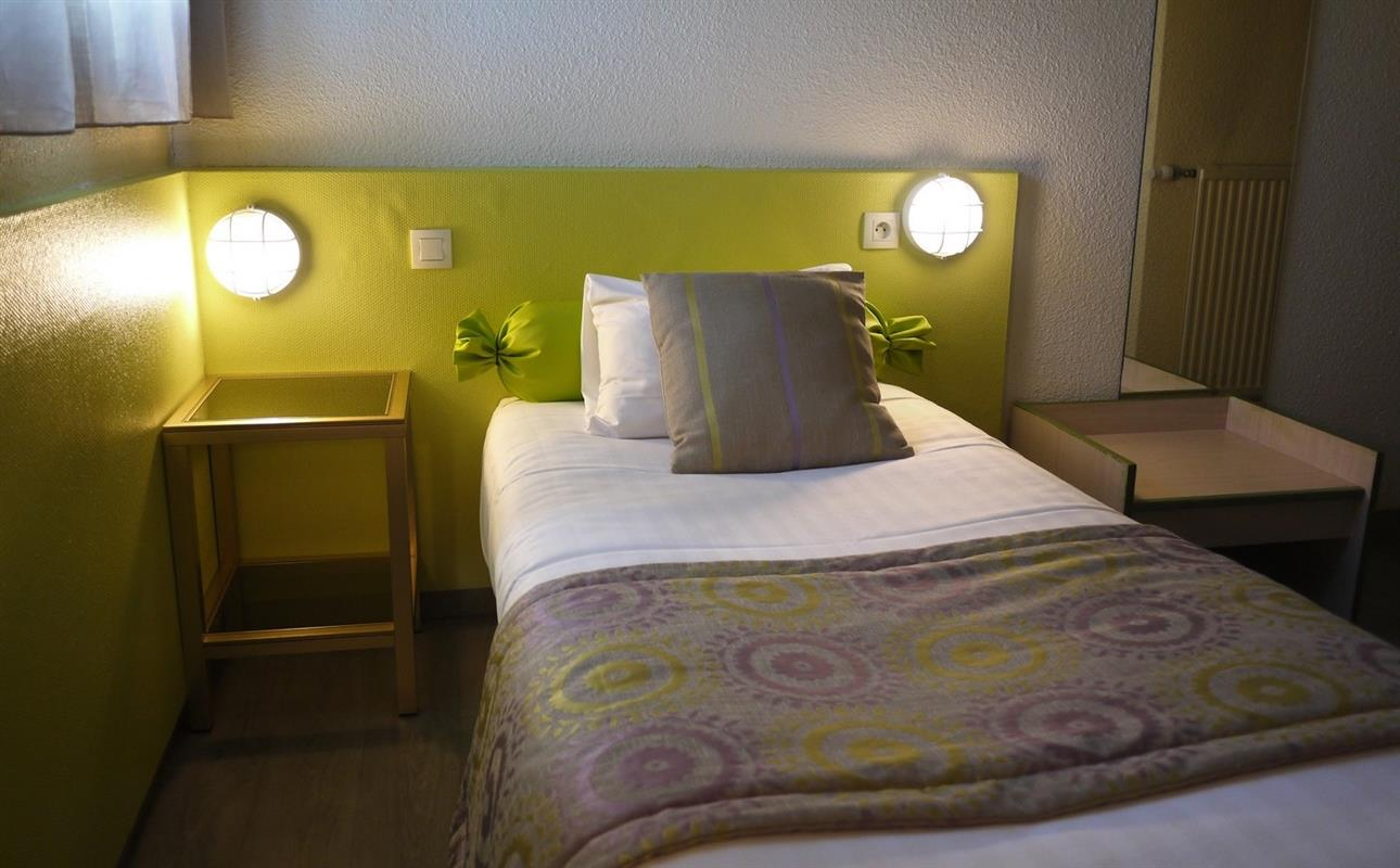 Reserver une chambre hotel rennes ouest   inter hotel les 3 marches